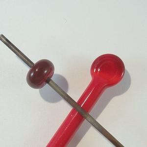432 - Medium red
