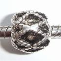 Barrel with diamond design