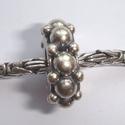Zilveren kraal met bobbeltjes, antiek