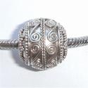 Zilveren kraal met krullen