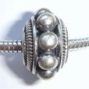 Zilveren kraal met grote noppen, antiek