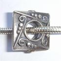 Zilveren kraal vierkant, plat, antiek