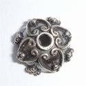 Zilveren kralenkapje met hartjes en nopjes