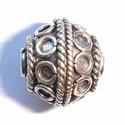 Zilveren kraal met spiraaltjes en rondjes