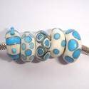 Ivory with aqua, 5 beads
